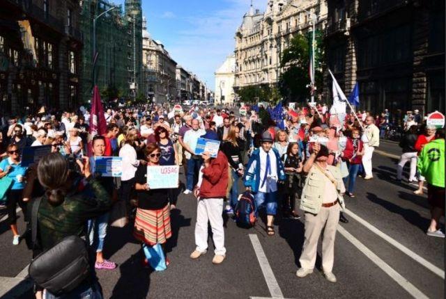 Tüntetés: Tüntetés: Itt Lesznek útlezárások, Menetrendváltozások