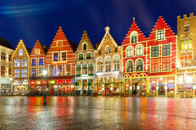 Brugge ünnepi fényei advent idején.