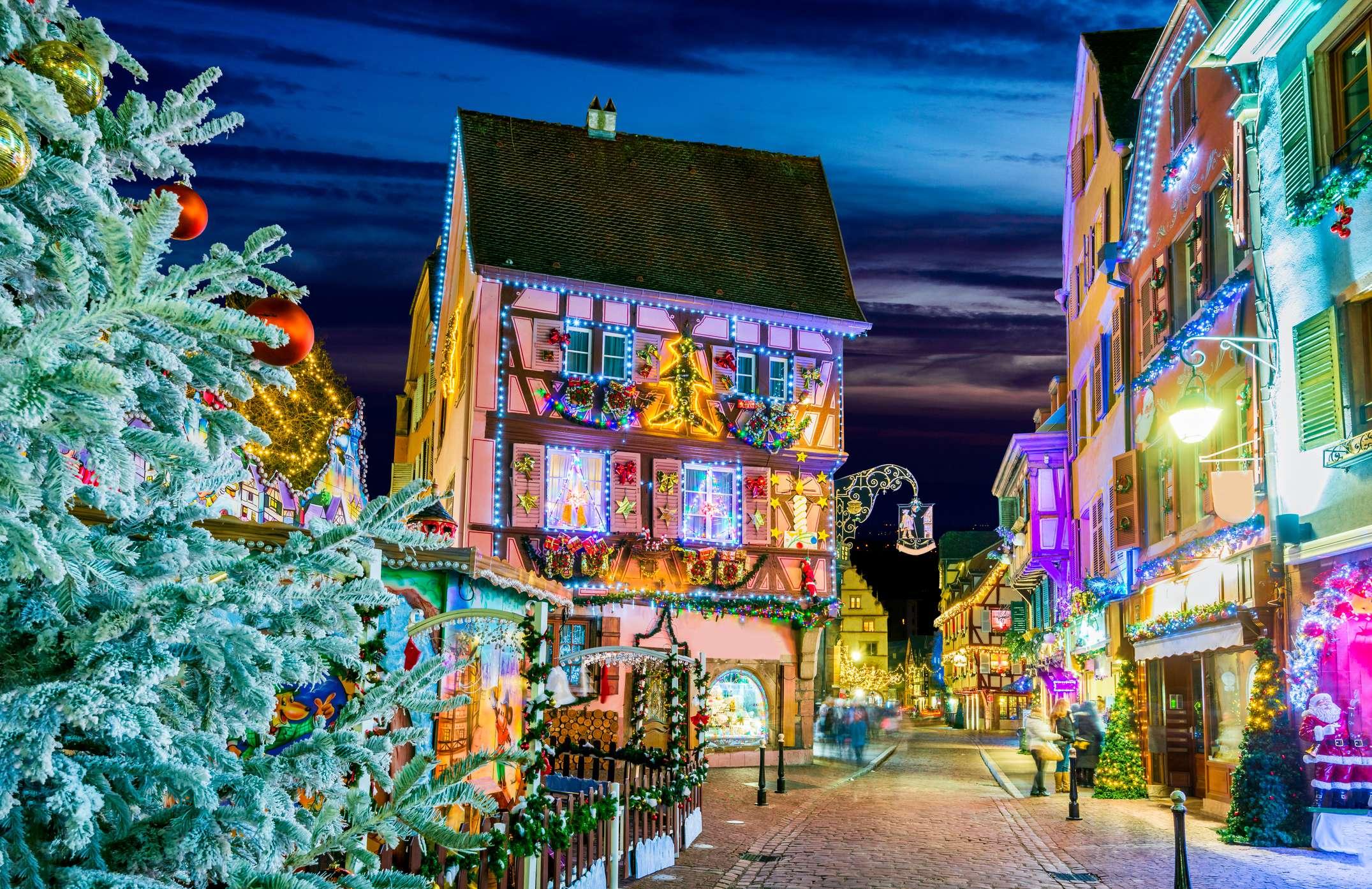 Colmar pazar ünnepi fényei