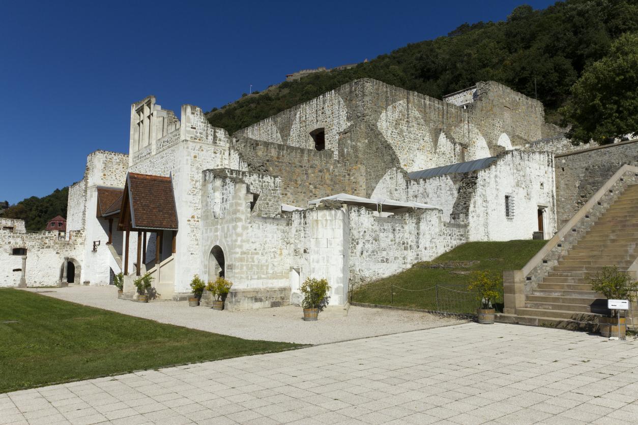 A visegrádi királyi palota maradványai.