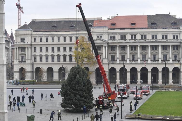 Országház karácsonyfa Budapest