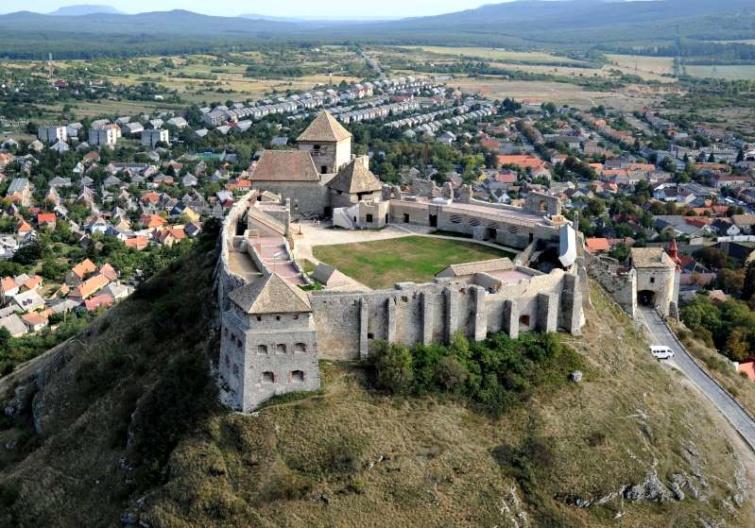 A sümegi vár és környéke.