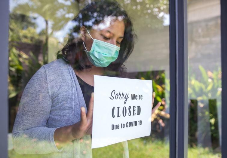 Bezárt étterem a koronavírus miatt