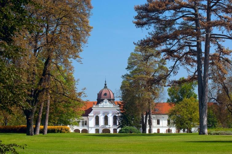 A gödöllői királyi palota.
