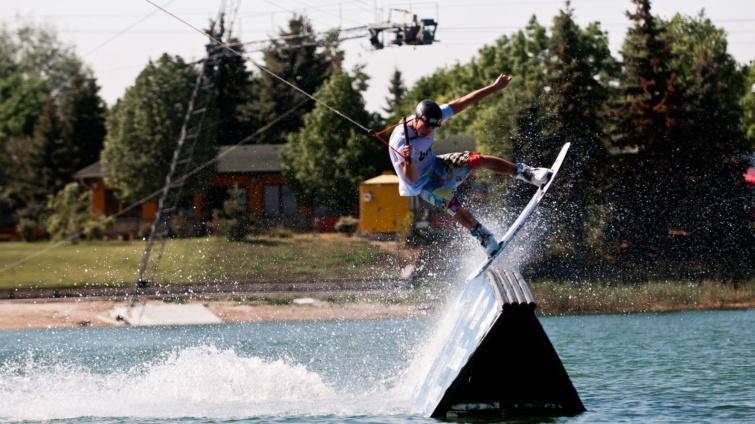 Omszki-tó wakeboard