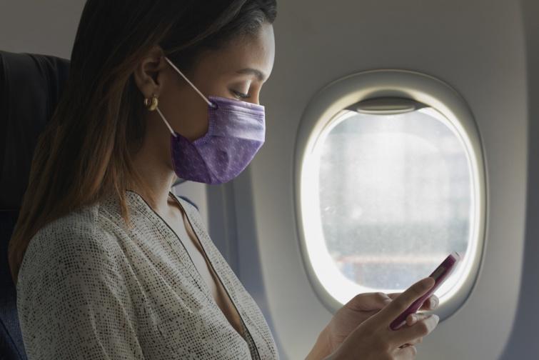 Kötelező az arcmaszk sok repülőn