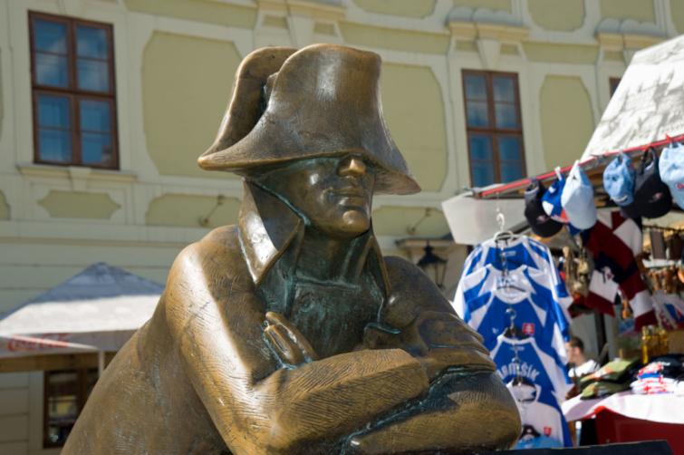 A francia katona szobra Pozsonyban.
