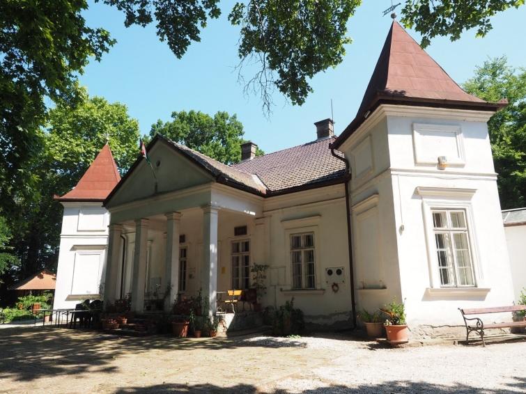 Tápiószele, Blaskovich-kúria