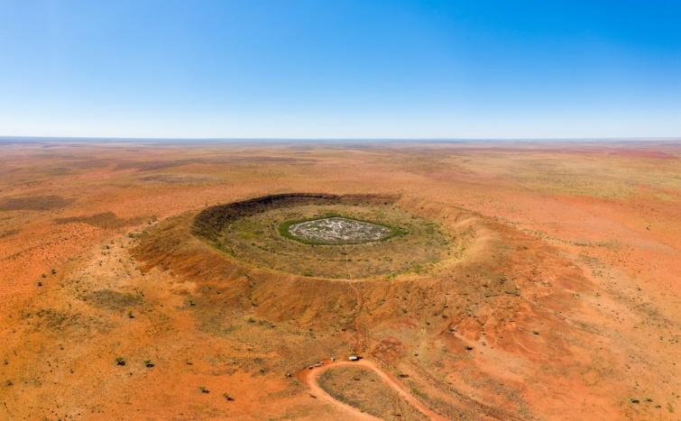 Légi felvétel a nyugat-ausztráliai Wolf Creek kráterről