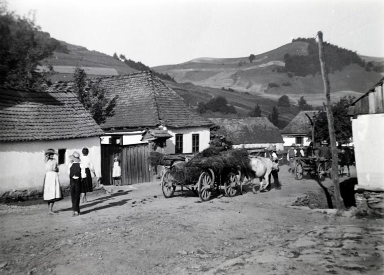 Falusi életkép Erdélyből, 1941.
