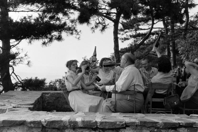 Kitört a jó hangulat a badacsonyi Rodostó turistaháznál, 1963.