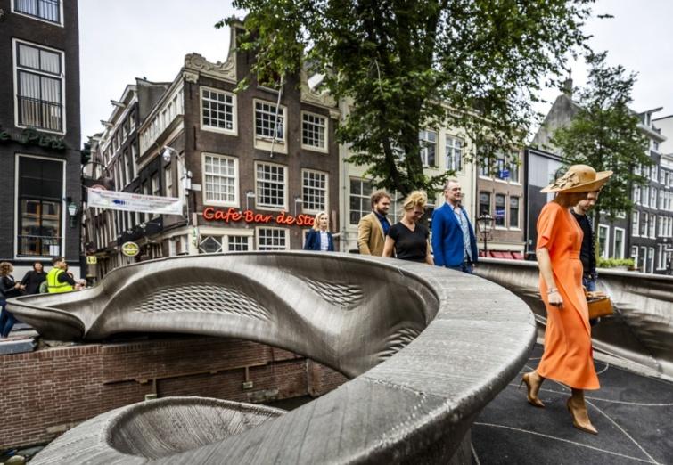 Amszterdam 3D-nyomtatással készült acélhídja
