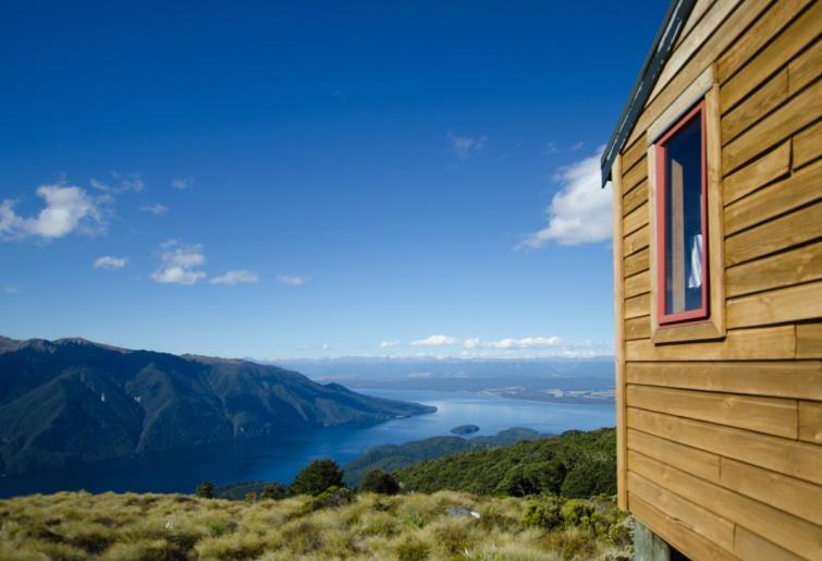 Kilátás az új-zélandi Luxmore kunyhóból.