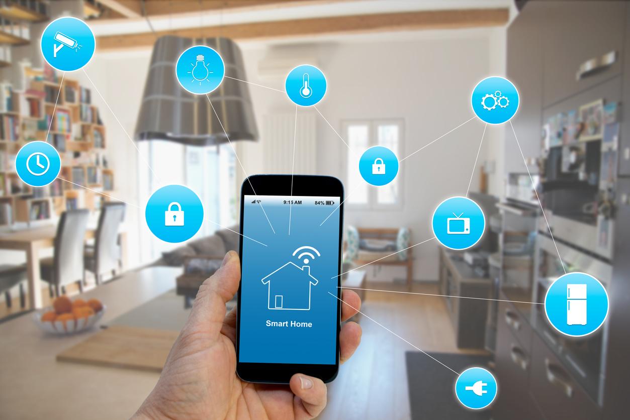 Telefonnal irányítható lakás