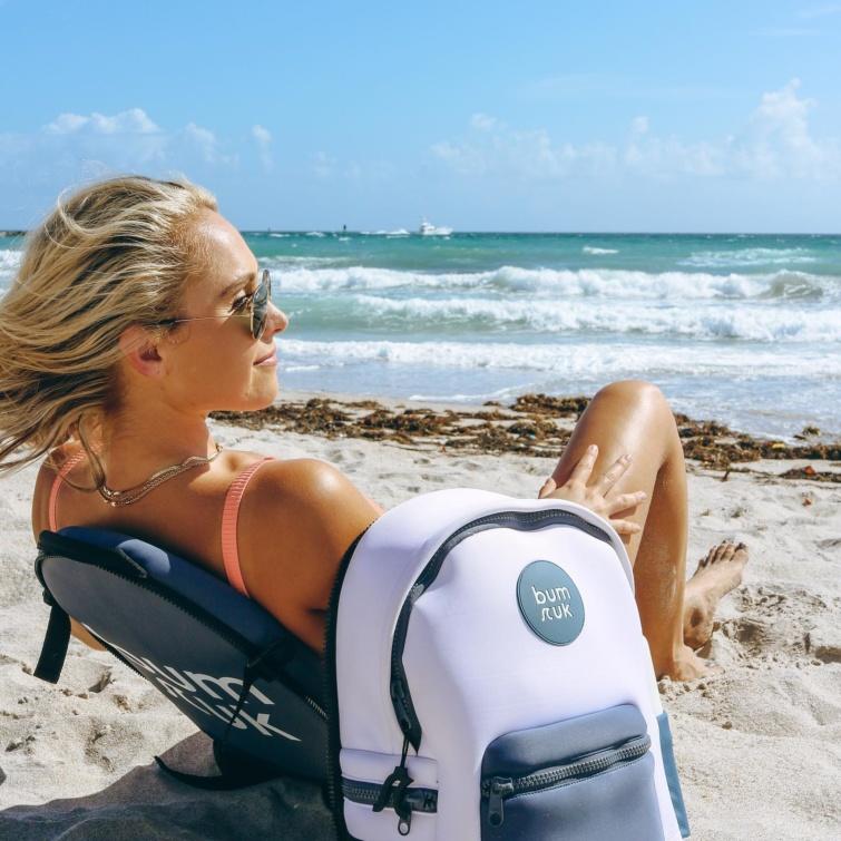 strandtáska és szék